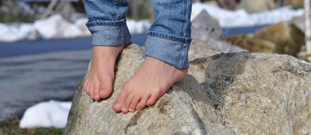 barefoot-504140_1280