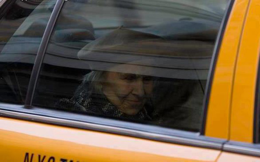 woman-taxi