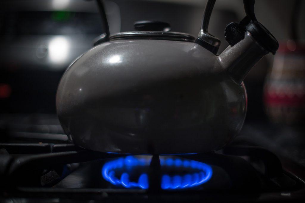 kettle-933135_1920